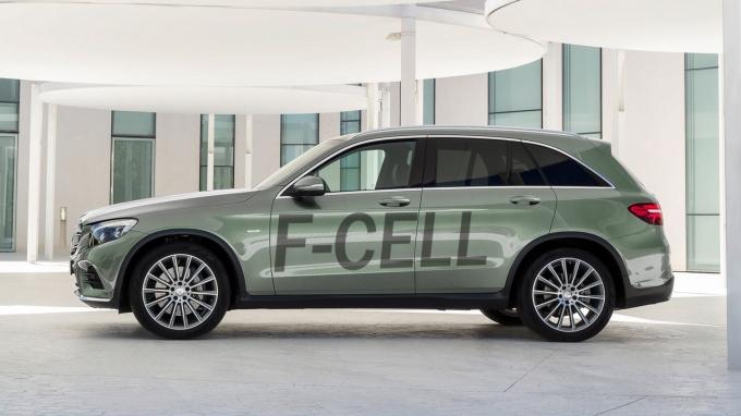 Водородный Mercedes будут продавать по цене Toyota Mirai