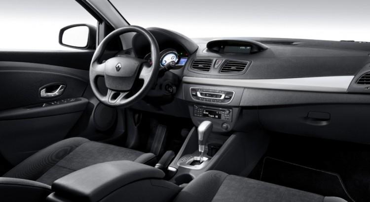 Свалон нового Renault Fluence