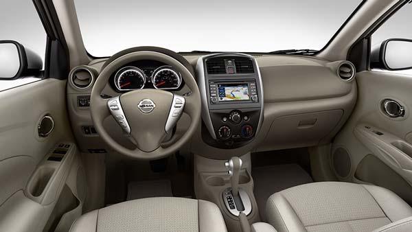 Лаконичный интерьер Nissan Almera 2016