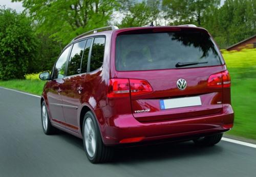 Внешний вид Volkswagen Touran сзади