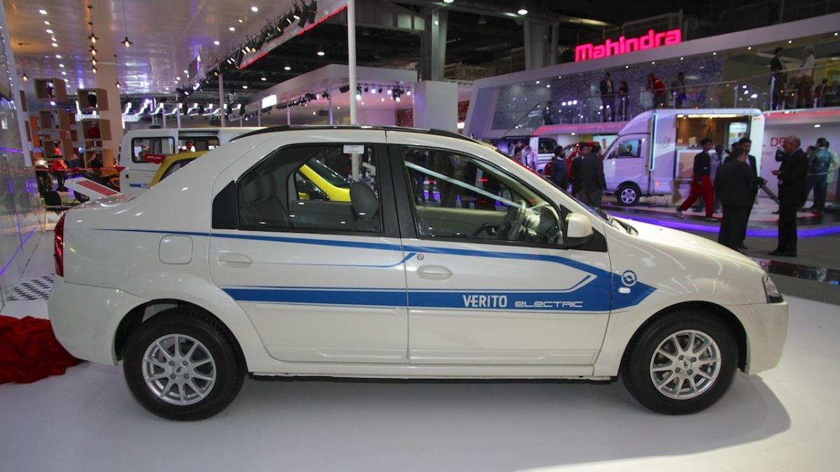 Mahindra-e-Verito-side-profile-at-Auto-Expo-2016.jpg
