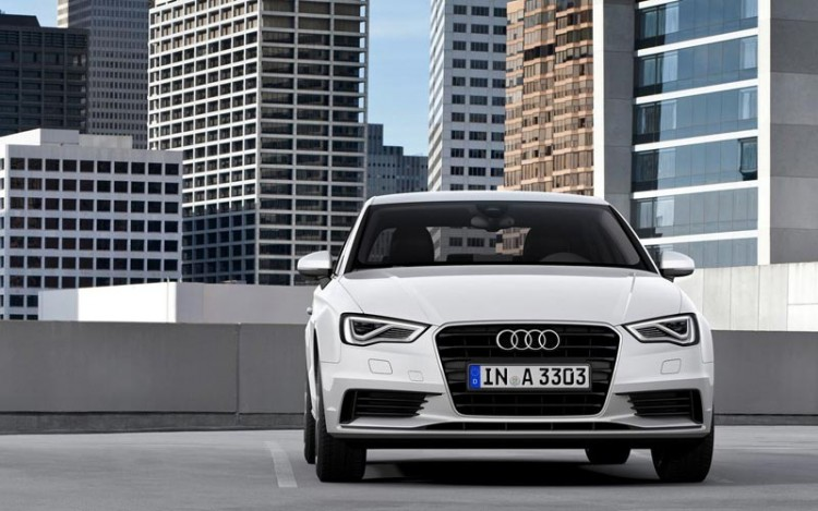 На фото - Audi-A3 седан 2015-2016 модельного года