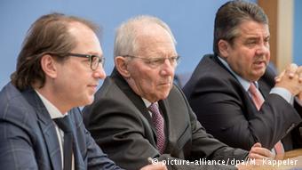 Три министра представляют программу субсидирования электромобилей