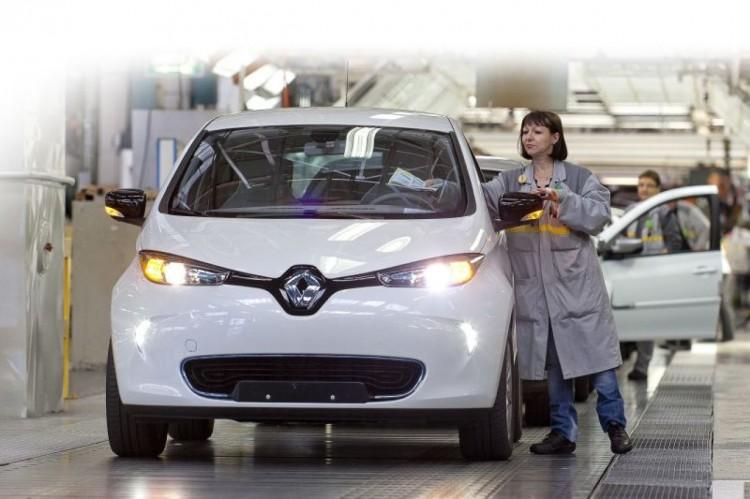 Недостатки Renault Symbol 2016 модельного года