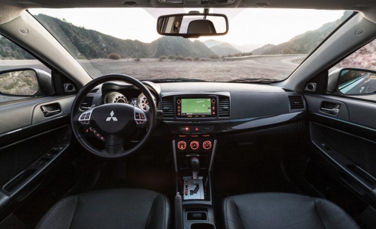 """Интерьер """"американского"""" Mitsubishi Lancer GT"""