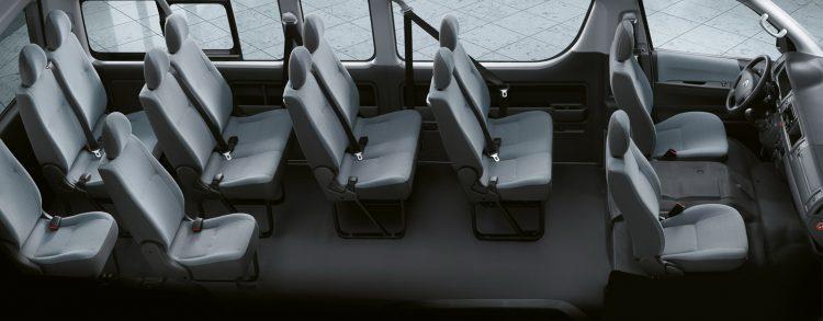 Фото двенадцатиместного салона микроавтобуса Тойота Хайс