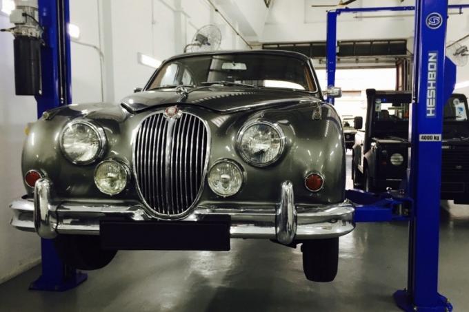 Jaguar и Land Rover: в сервис или из сервиса?