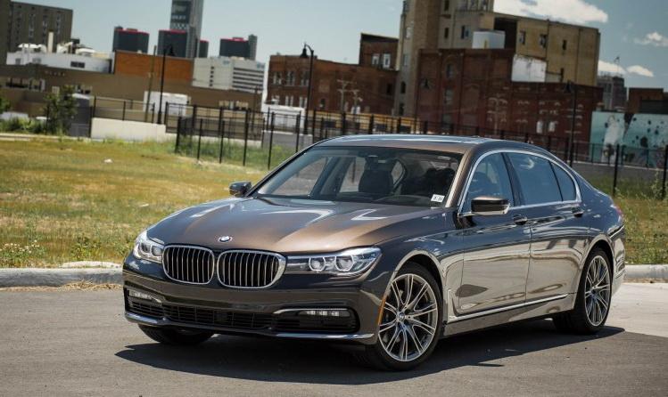 BMW 7 Series 2016-2017 модельного года