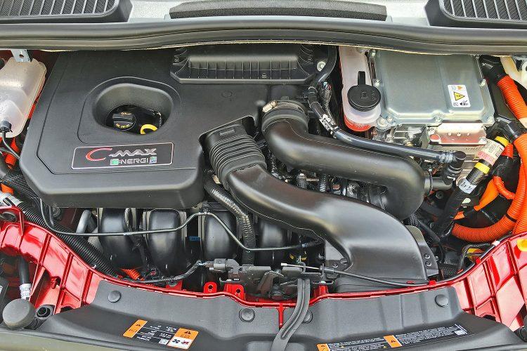 Под капотом у Ford C-Max Energi 2016-2017 года