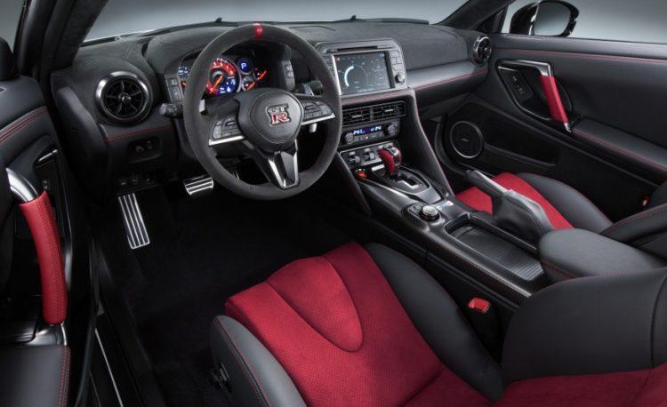 Интерьер нового GT-R Nismo