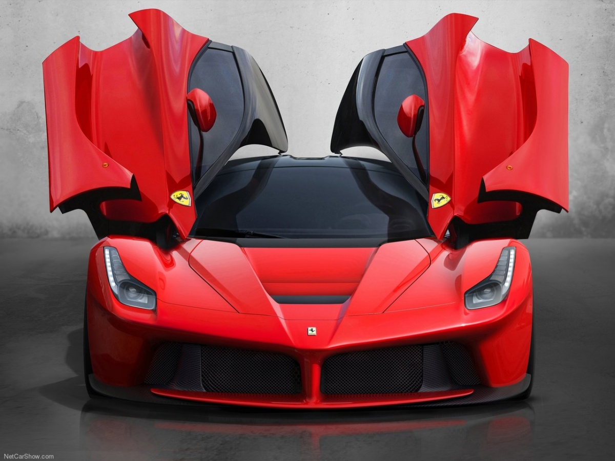 Ferrari-LaFerrari-2014-1280-06.jpg