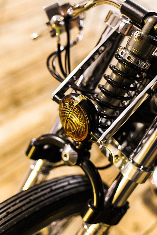 Религиозный кастом мотоцикла Kawasaki 1000z