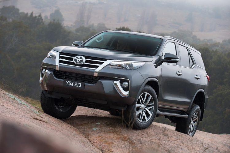 Toyota Fortuner 2016-2017 года в новом кузове