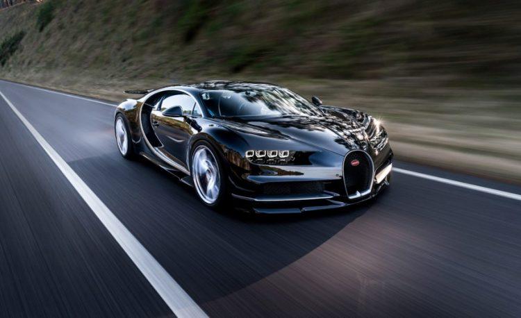 Bugatti Chiron 2016-2017 года.