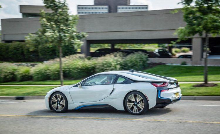 Тест-драйв BMW i8