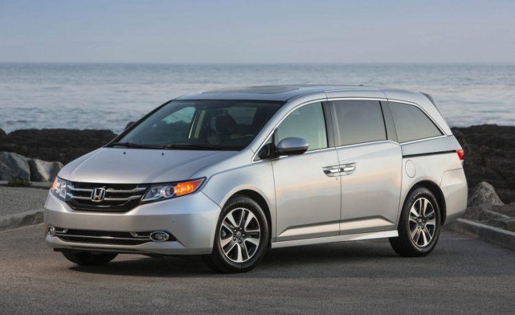 Honda Odyssey 2016-2017 года в новом кузове