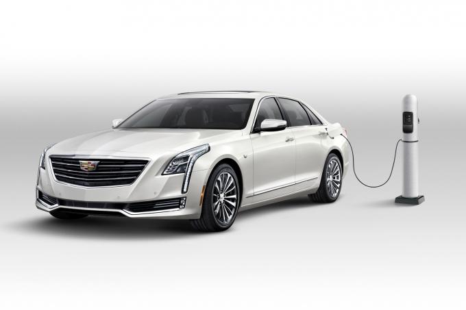 Cadillac CT6 Plug-In-Hybrid: багажник украли!