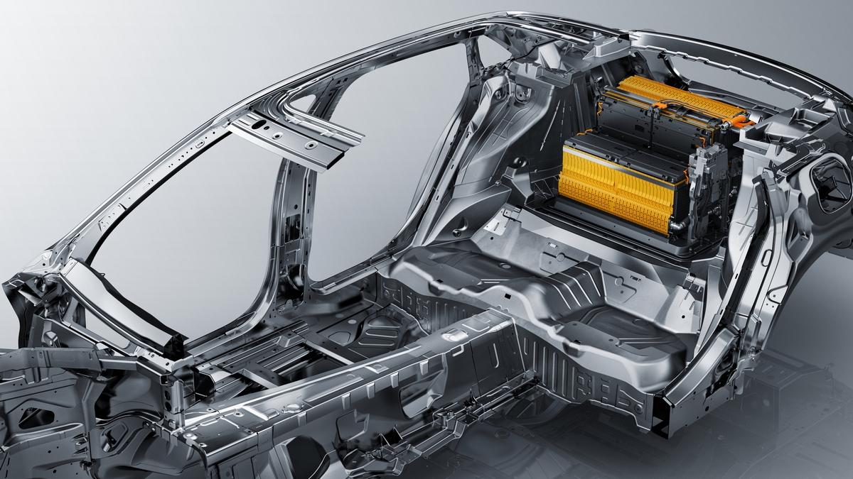 2017-Cadillac-CT6-Plug-In-Hybrid-040.jpg