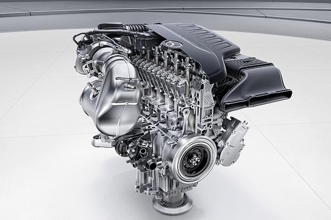 Двигатель М 256 избавлен от ременных передач, забирающих мощность с коленвала для навесного оборудования: ГРМ приводит цепь, кондиционер – электродвигатель