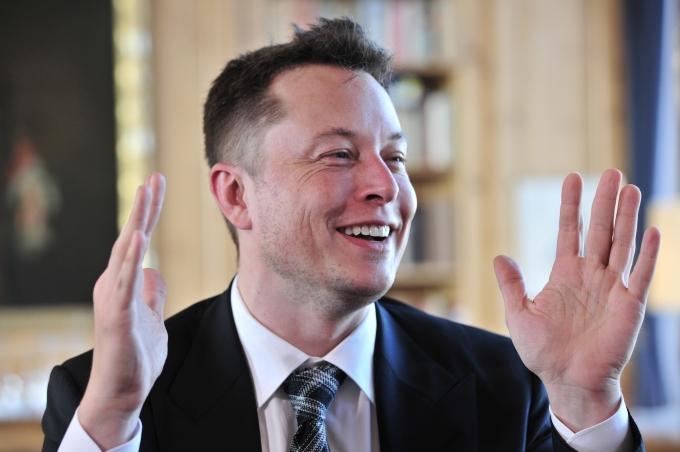 Илон Маск снабдил свои машины «пьяным автопилотом»