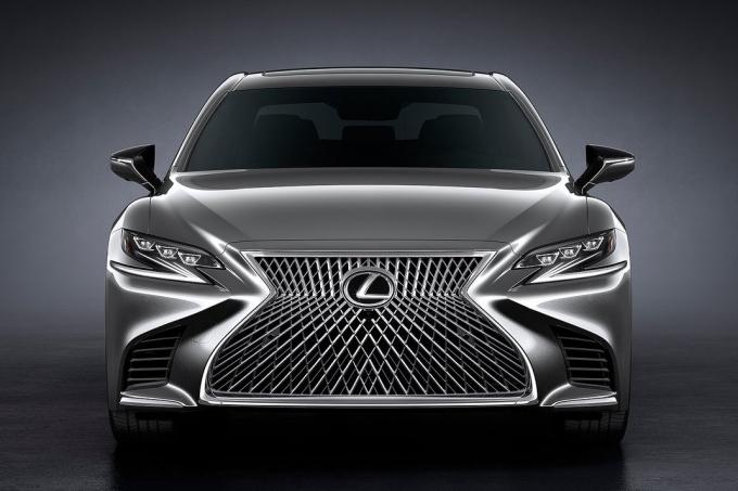 Lexus LS: пошёл сеточкой…