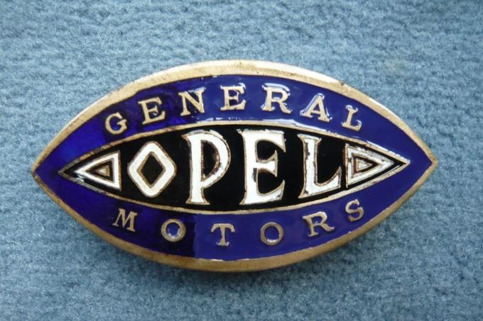 GM продаёт Opel после 88 лет владения