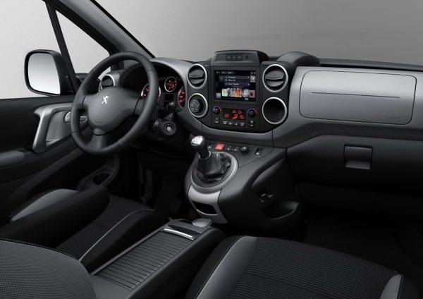 Интерьер Peugeot Partner Tepee