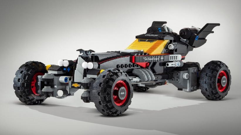 Бэтмобиль из Lego в натуральную величину